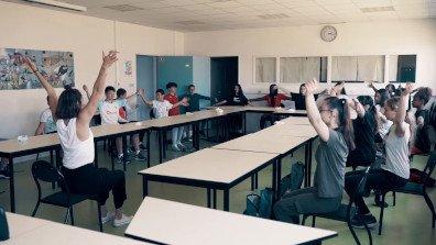 Yoga en classe avec les 3èmes